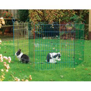 Konijnenren 6 panelen - Konijnenren 6 panelen Een gekleurde konijnenren met 6 panelen van 60 cm voor in tuin. Zo kan uw konijn van de buitenlucht genieten, zonder dat hij of zij kan ontsnappen. De losse panelen zet u met de bijgeleverde pinnen aan elkaar. Specificaties: Lengte per paneel: 58 cm Hoogte per paneel: 66.5 cm Totale omvang: 105 cm Materiaal: Metaal